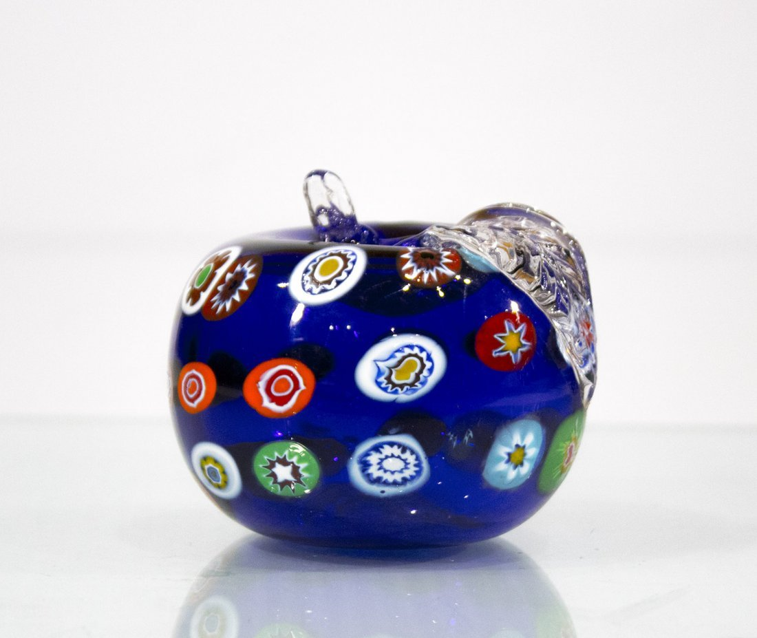 MILIFIORE MURANO GLASS APPLE PAPERWEIGHT BLUE