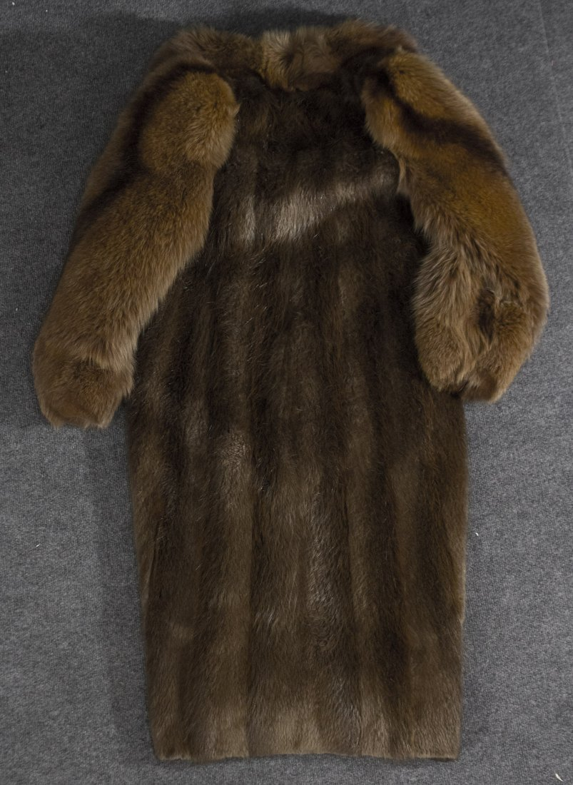 Long fur coat jacket Canadian, susan oiffi - 5