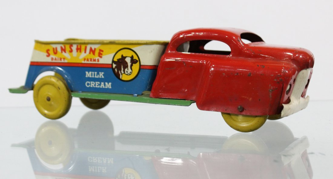 Antique SUNSHINE DAIRY FARMS PRESSED STEEL TRUCK
