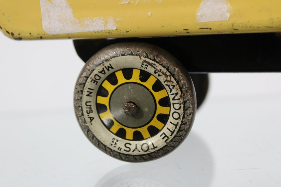 Antique WYANDOTTE PRESSED STEEL DUMP TRUCK Red Yellow - 2