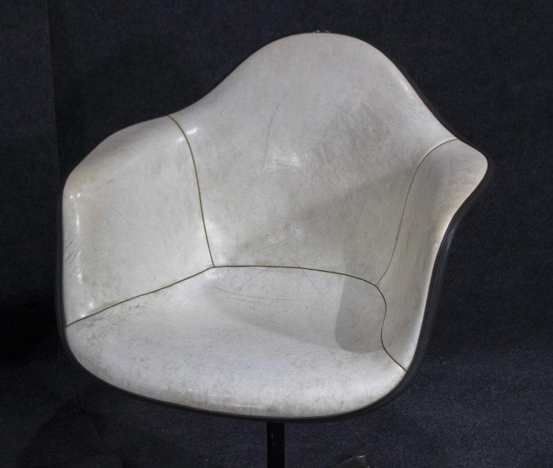 Pair HERMAN MILLER MCM white fiberglass arm chair - 2