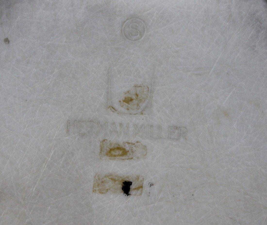 Pair HERMAN MILLER MCM white fiberglass arm chair - 5