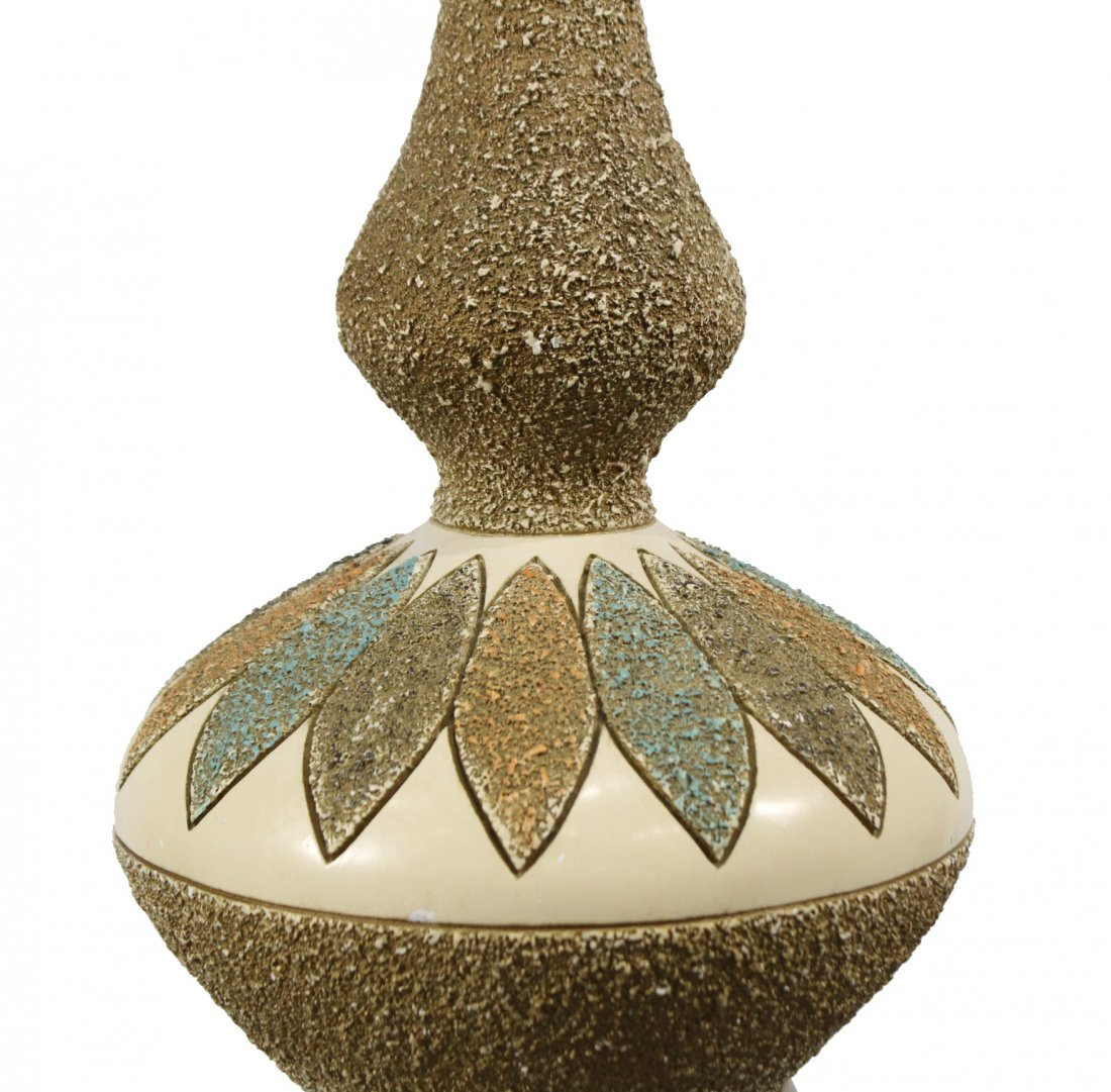 MID CENTURY MODERN CERAMIC TABLE LAMP - 2