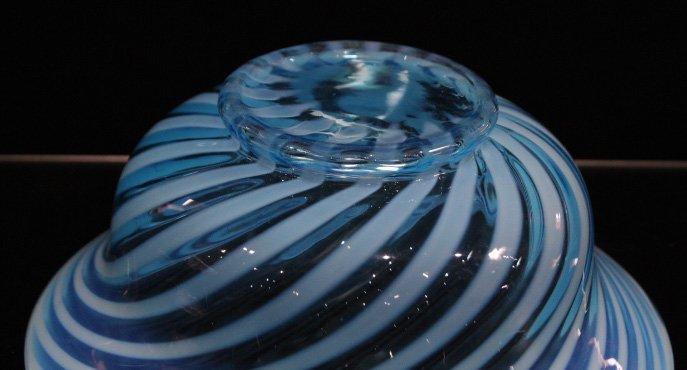 Fantastic OPALESCENT SWIRL GLASS BOWL - 3