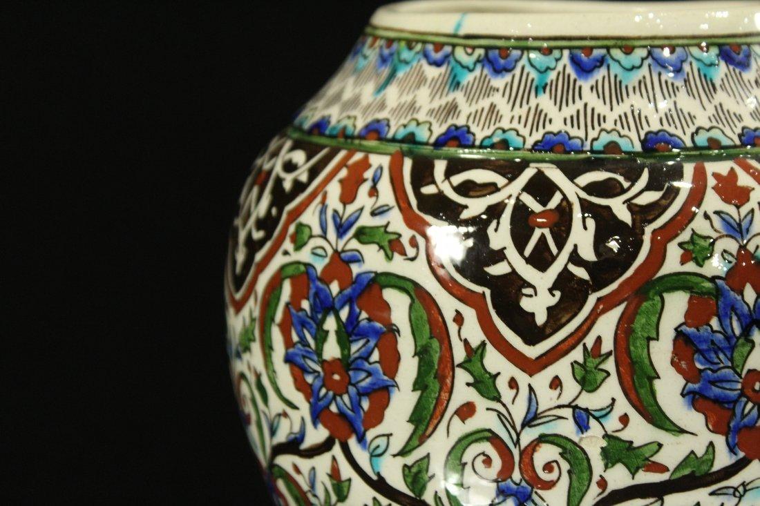 Italian Renaissance Decorated Ceramic Vase - 3