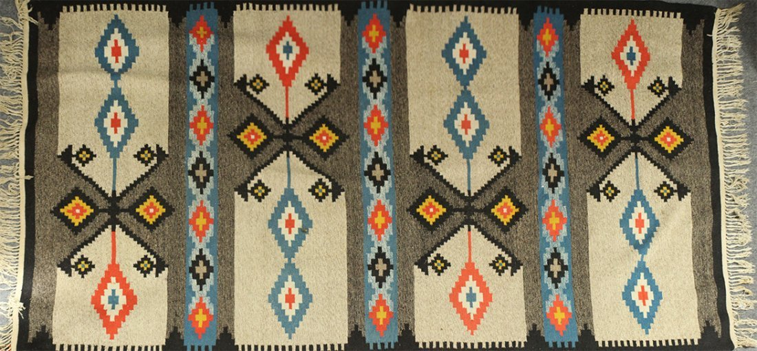 Exceptional NATIVE AMERICAN INDIAN RUG Geometric Design