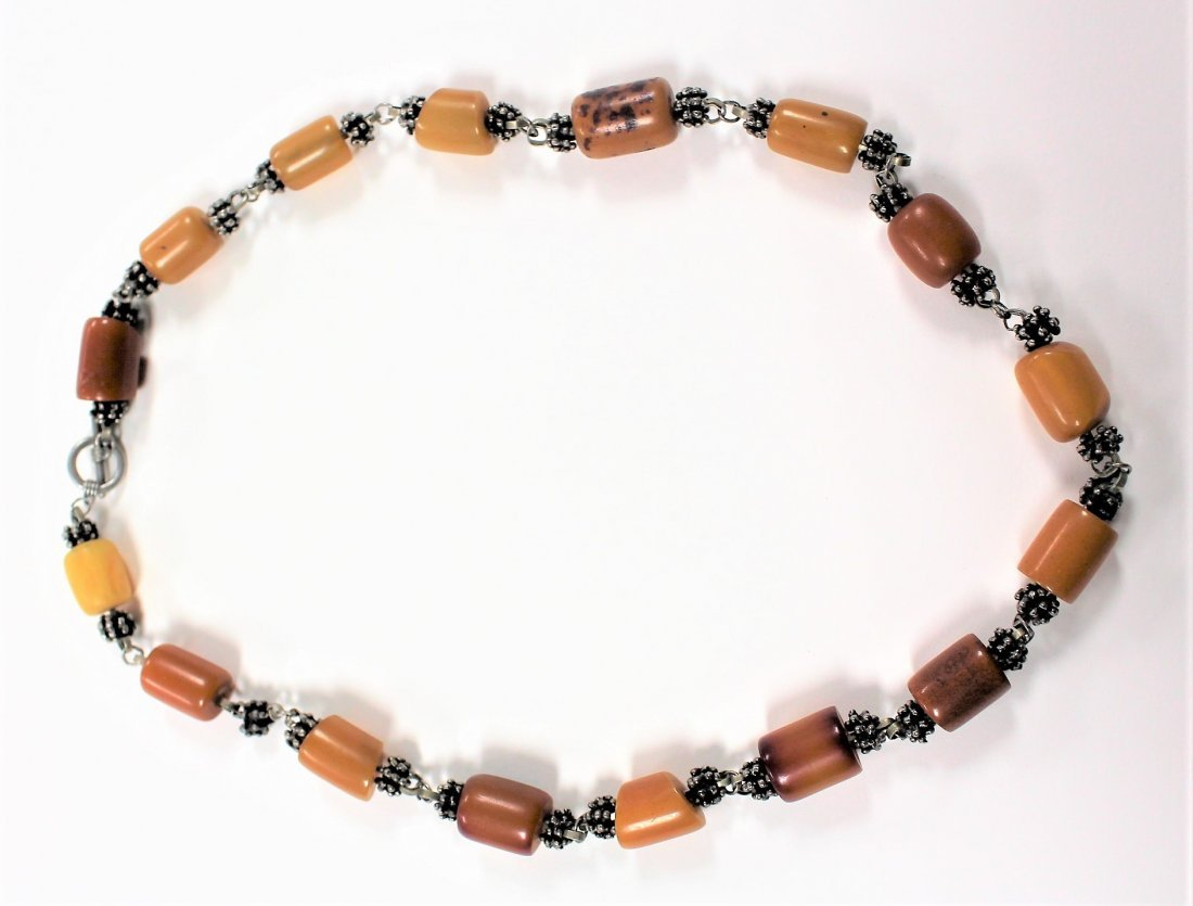 Vintage BUTTERSCOTCH BAKELITE AND SILVER NECKLACE
