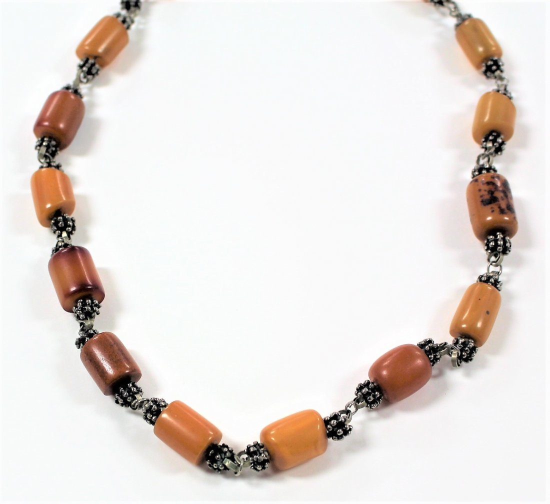Vintage BUTTERSCOTCH BAKELITE AND SILVER NECKLACE - 4