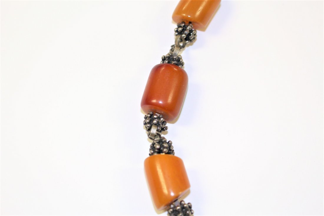 Vintage BUTTERSCOTCH BAKELITE AND SILVER NECKLACE - 5