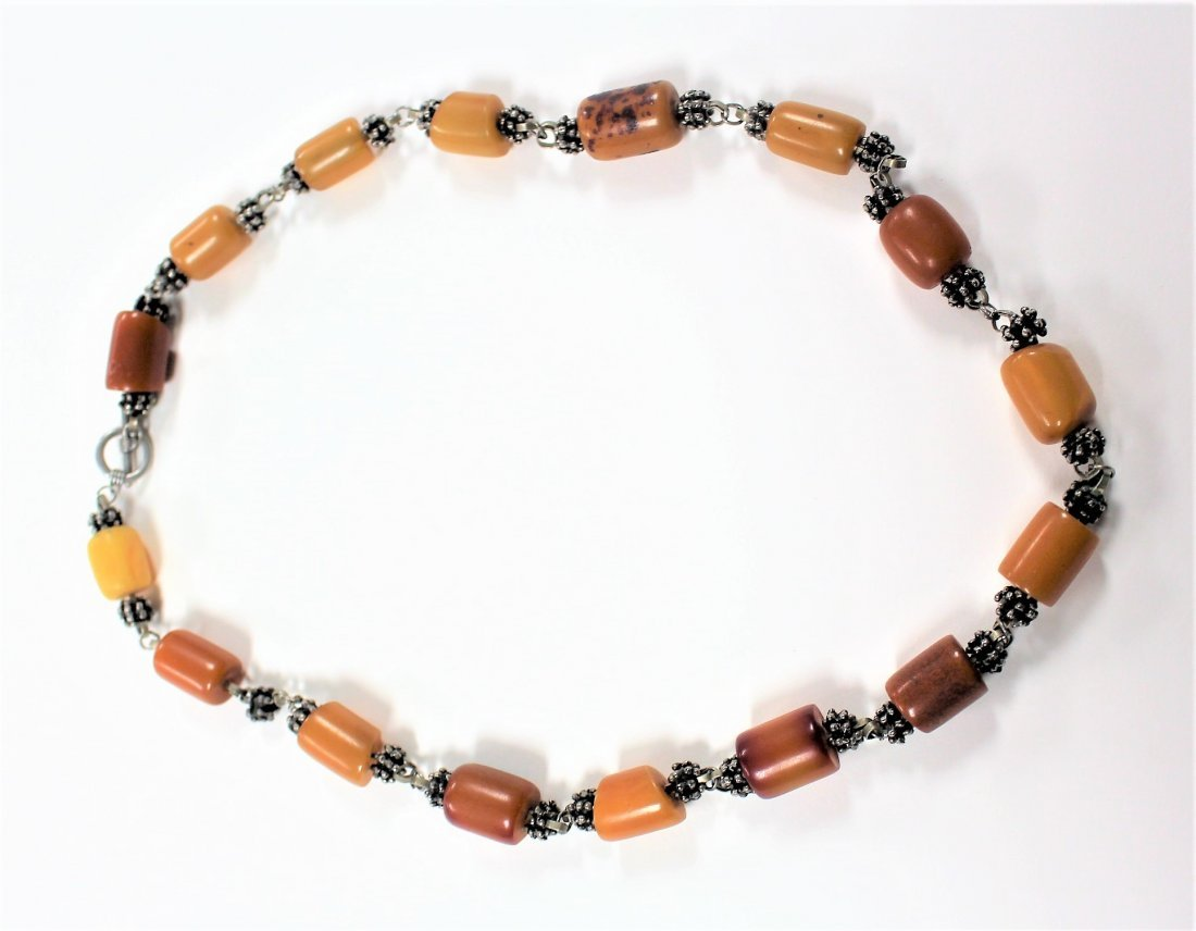 Vintage BUTTERSCOTCH BAKELITE AND SILVER NECKLACE - 6