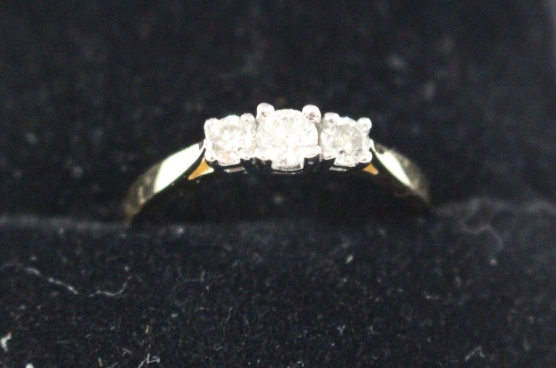 DIAMOND RING 14 K WHITE GOLD, PAST, PRESENT, FUTURE