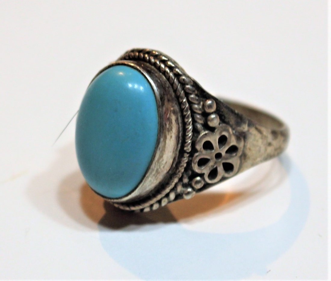.925 Sterling Silver and Turquoise Oval Ring