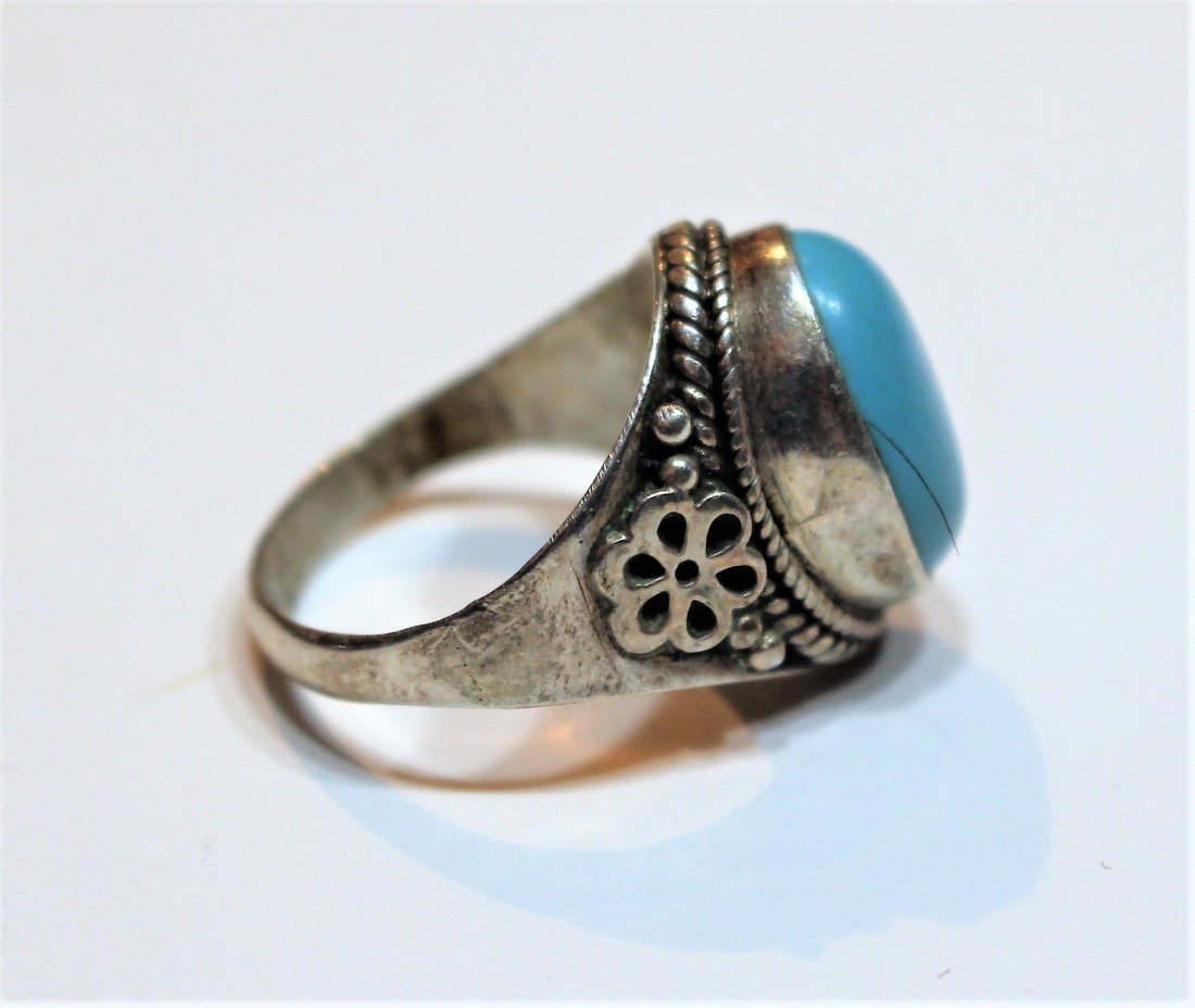 .925 Sterling Silver and Turquoise Oval Ring - 4