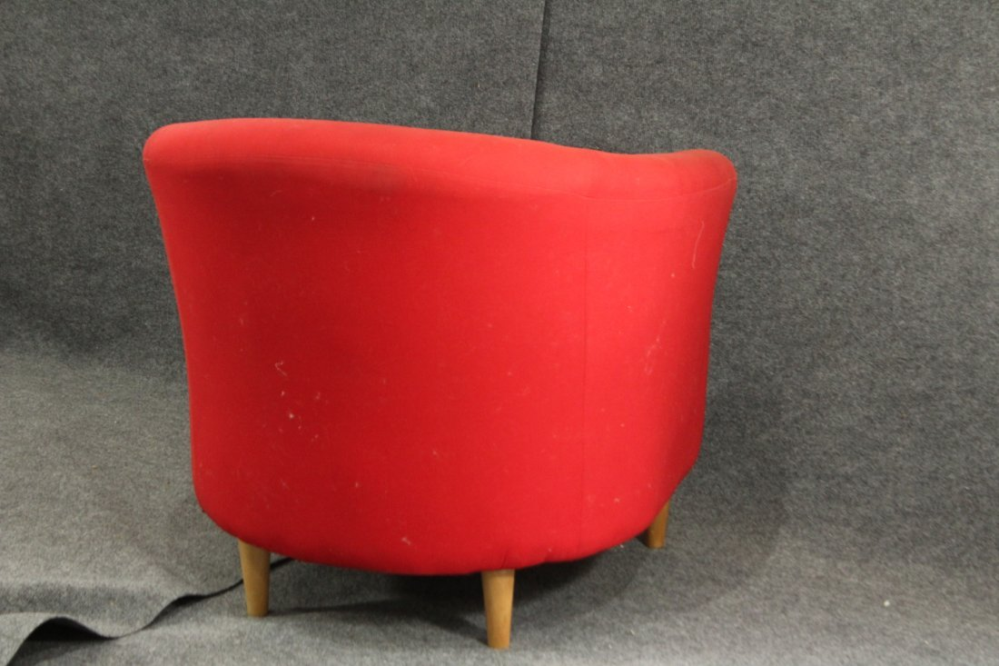 Mid-century style red lounge chair - 3