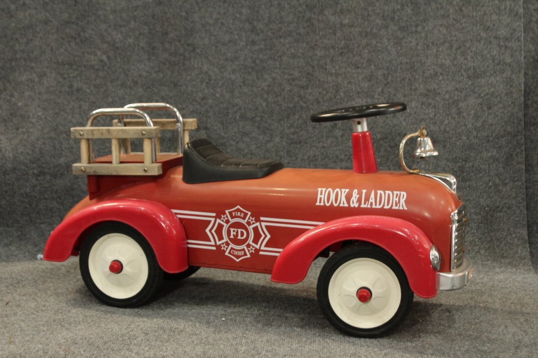 CHILD'S RIDE-ON TOY RED HOOK AND LADDER FIRE TRUCK