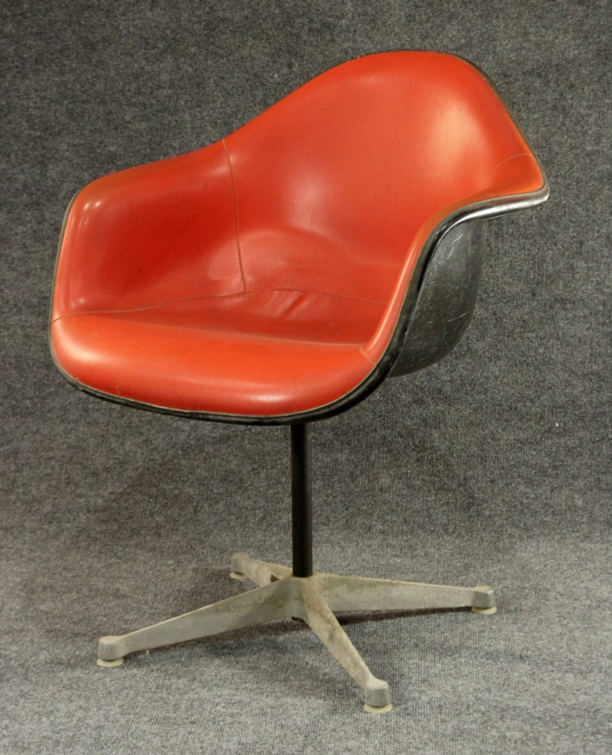Herman Miller Fiberglass Shell Arm Chair