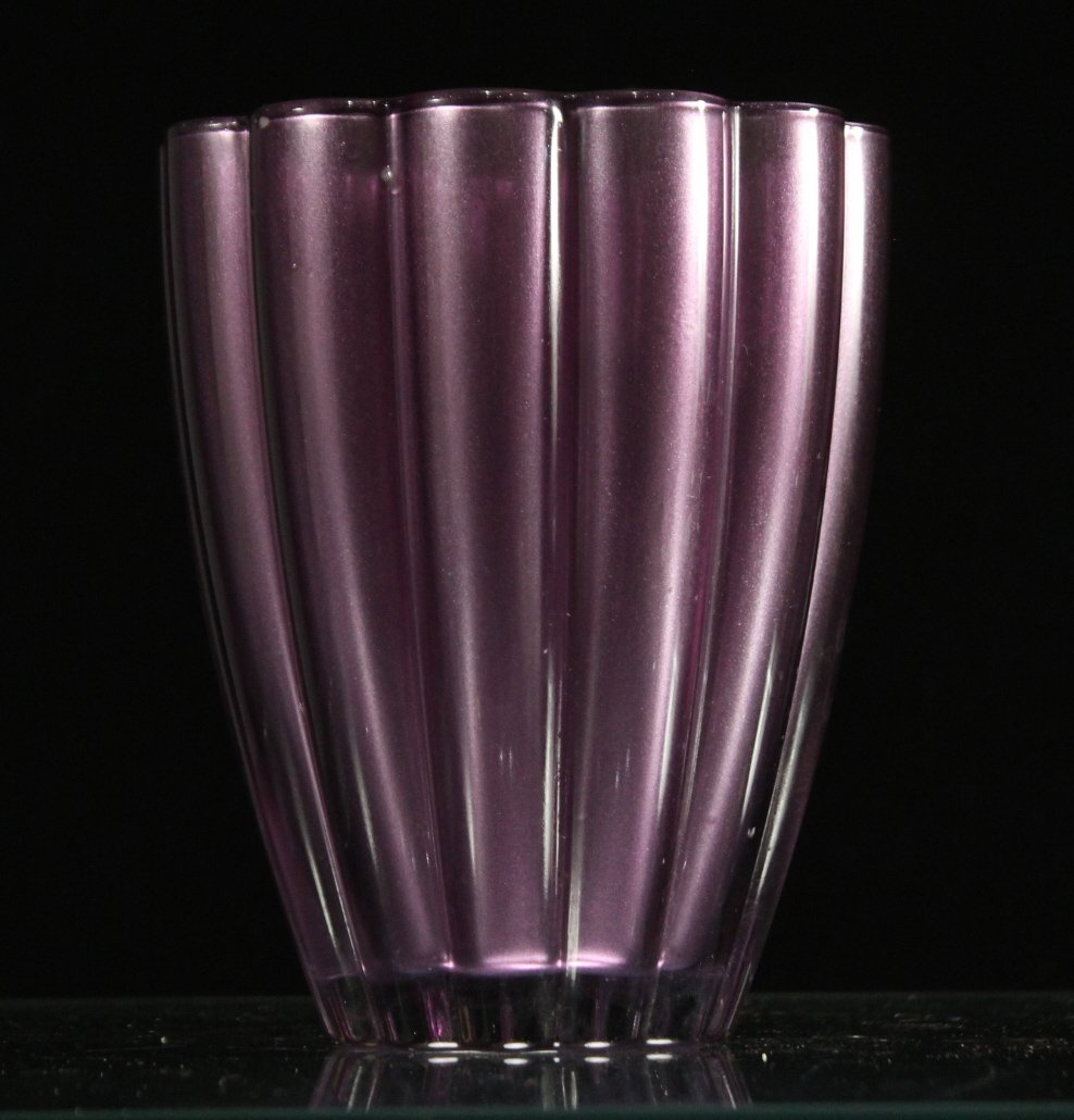 MID CENTURY MODERN LAVENDER RIBBED GLASS VASE