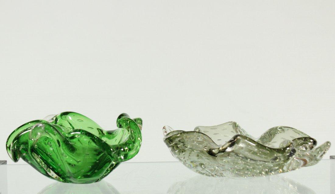 pair of Venetian Italian bullicante glass bowls