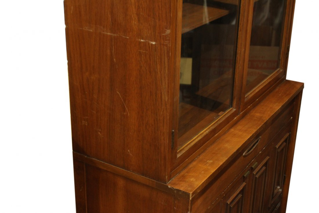 MID CENTURY MODERN SMALL CHINA CABINET - STYLISH - 6