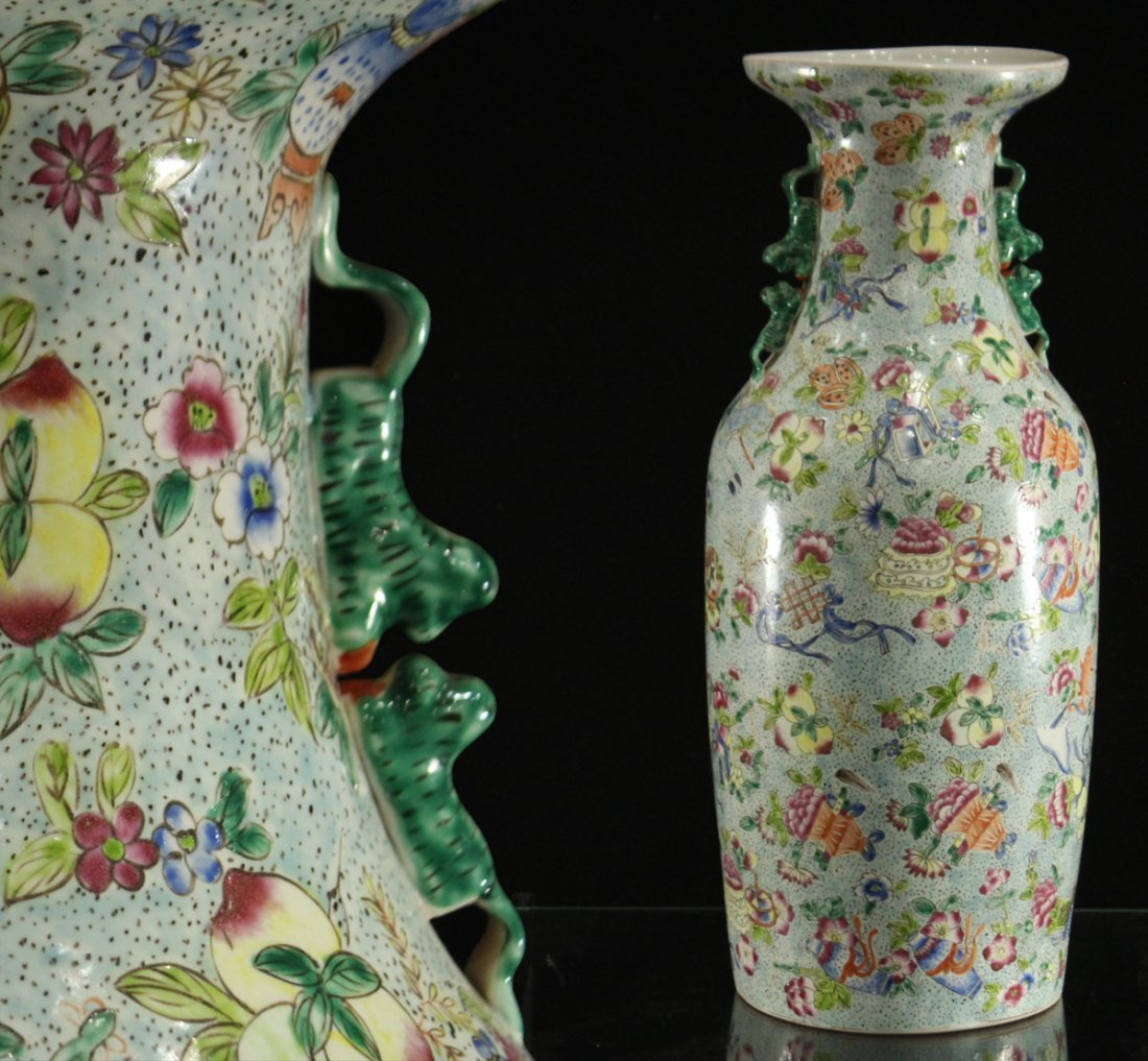 FINE CHINESE PORCELAIN TEMPLE VASE All Over Decoration