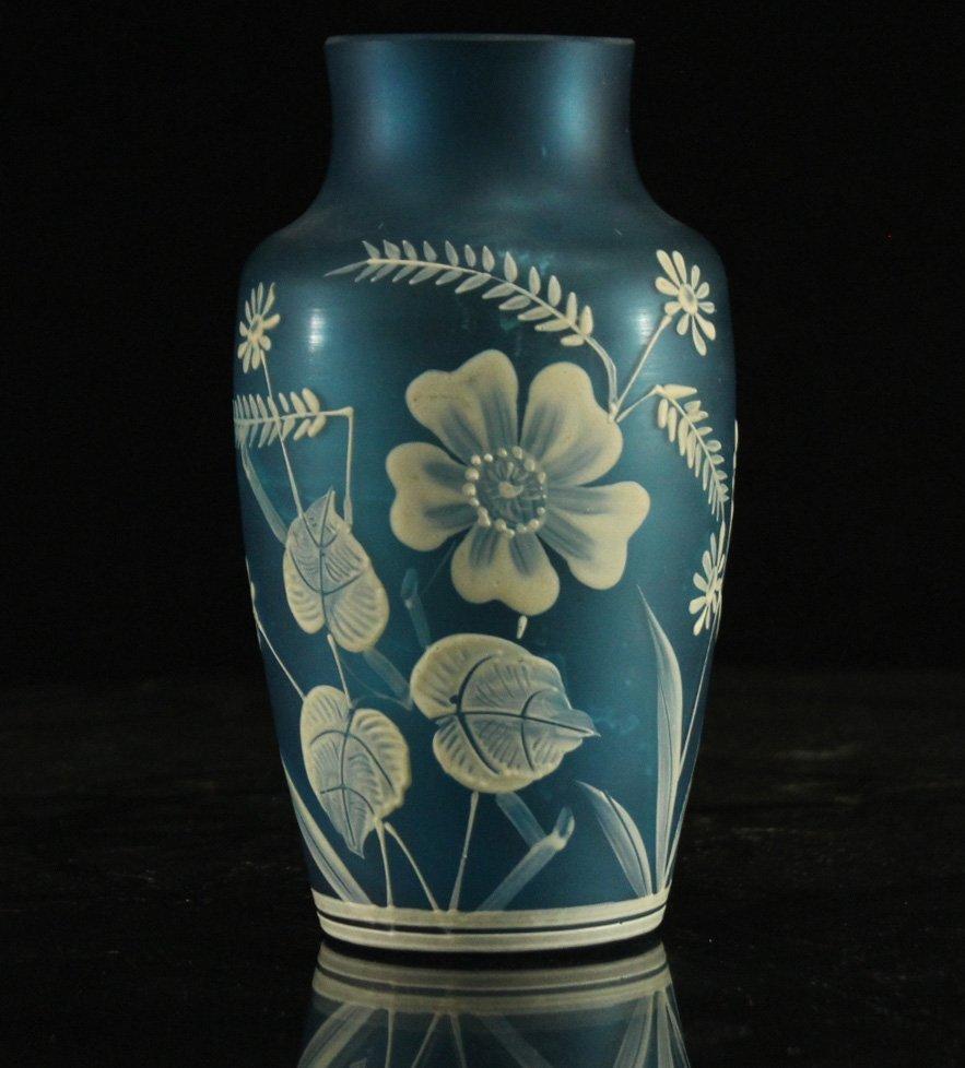 FLORENTINE ART CAMEO TEAL BLUE GLASS VASE WHITE DECOR