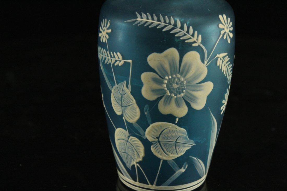 FLORENTINE ART CAMEO TEAL BLUE GLASS VASE WHITE DECOR - 3