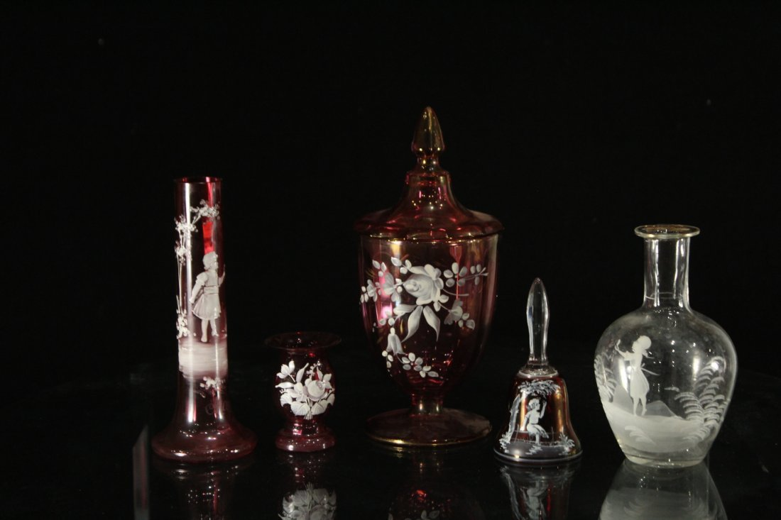 Collection of Mary Gregory glass items - 2