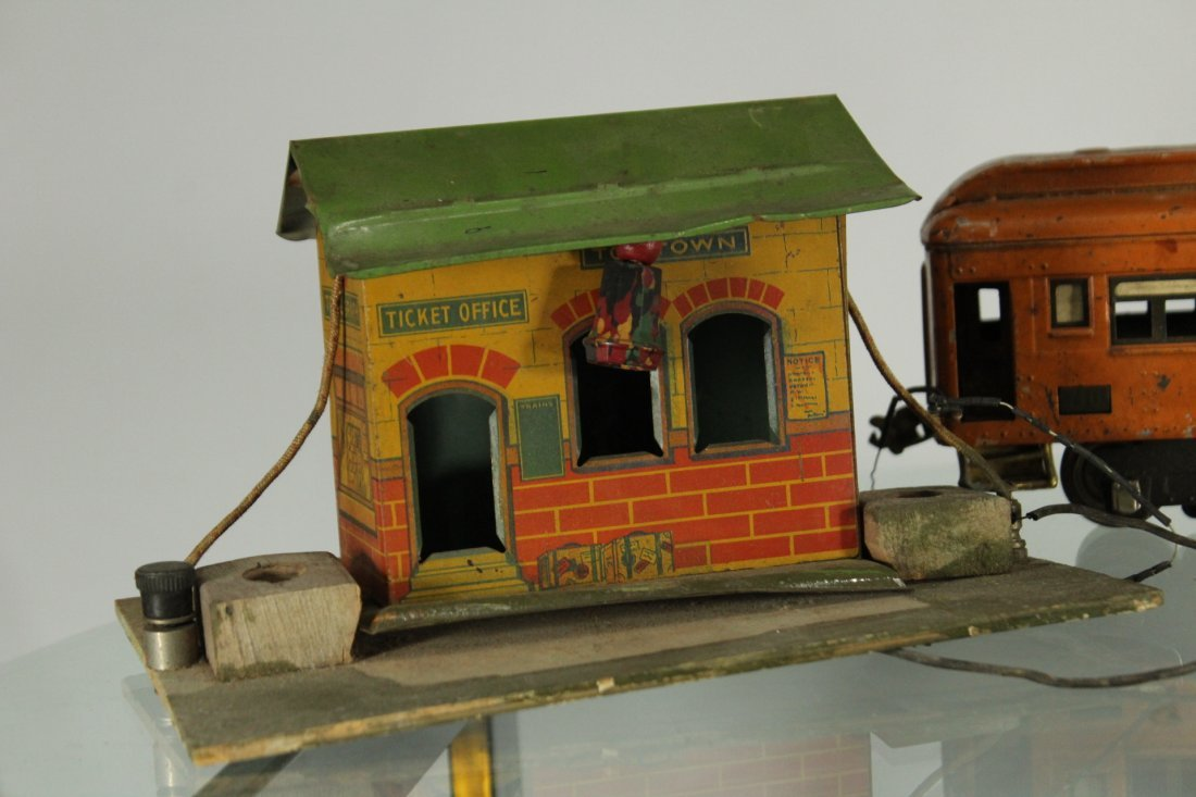 Collection of vintage toy trains - 2