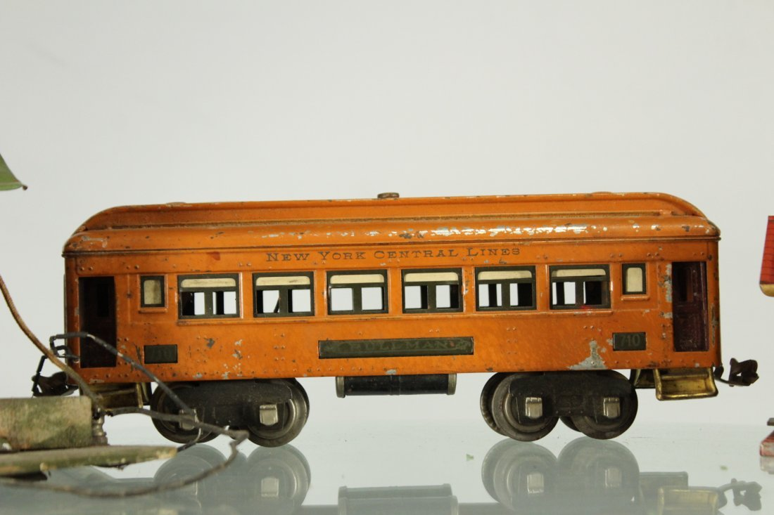 Collection of vintage toy trains - 3