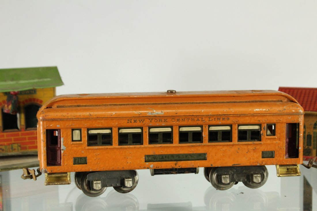 Collection of vintage toy trains - 4