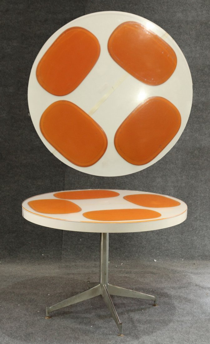 MID CENTURY MODERN ROUND DINETTE TABLE Orange Accents