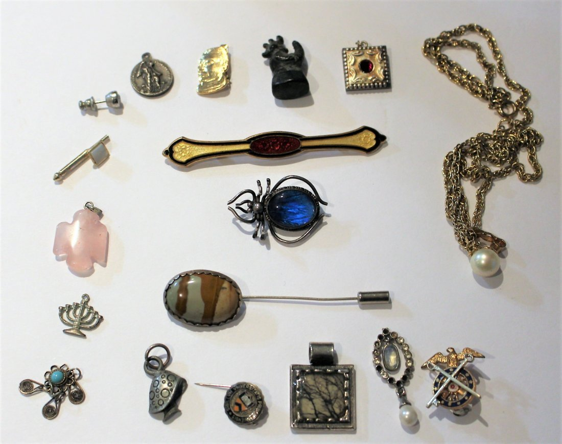 ESTATE GROUPING ASSORTED JEWELRY PINS, STERLING INSECT