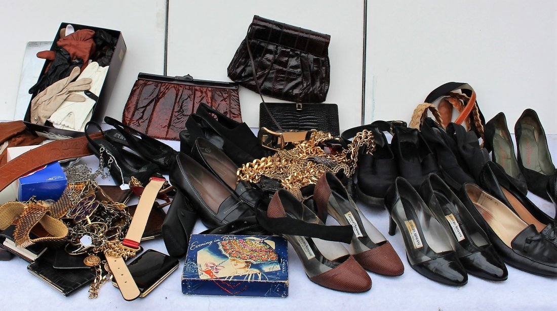 GROUP LOT DESIGNER SHOES, PURSES, BELTS, LEATHER GLOVES