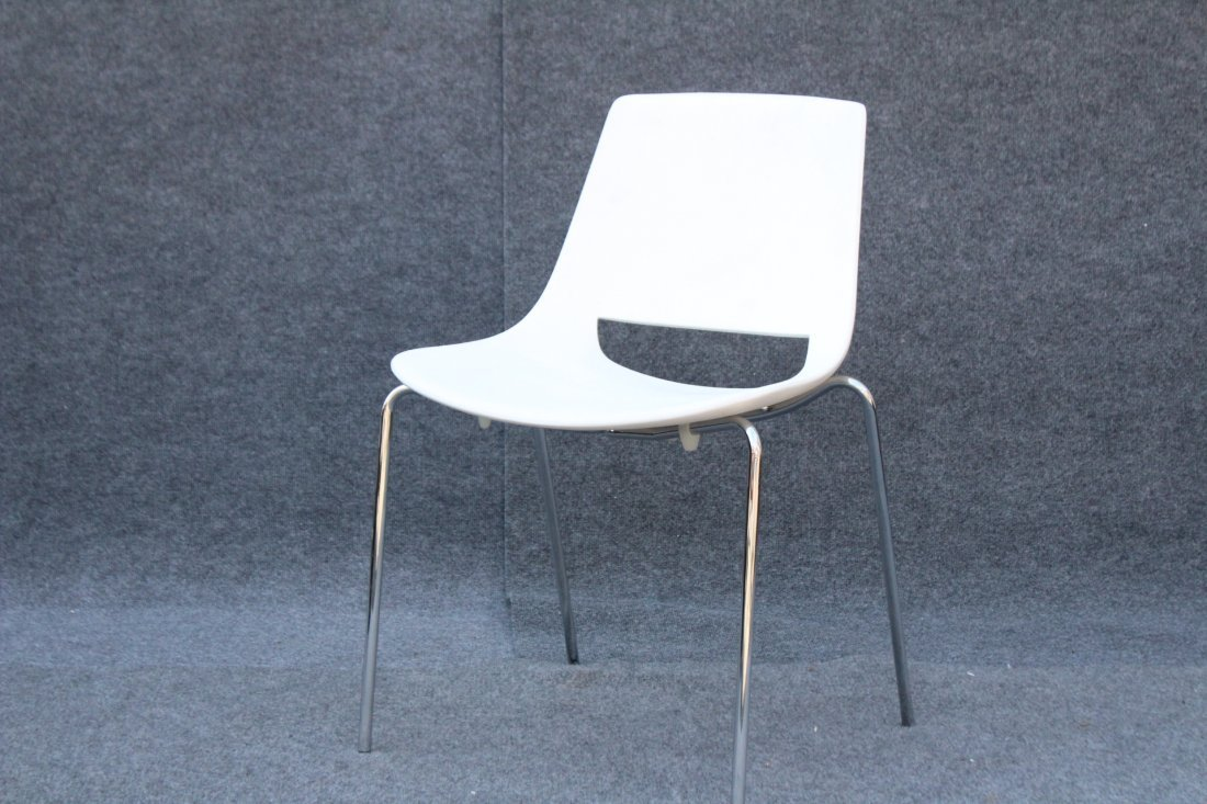 ARPER PALM ITALY CHAIR Design by Lievore Altherr Molina