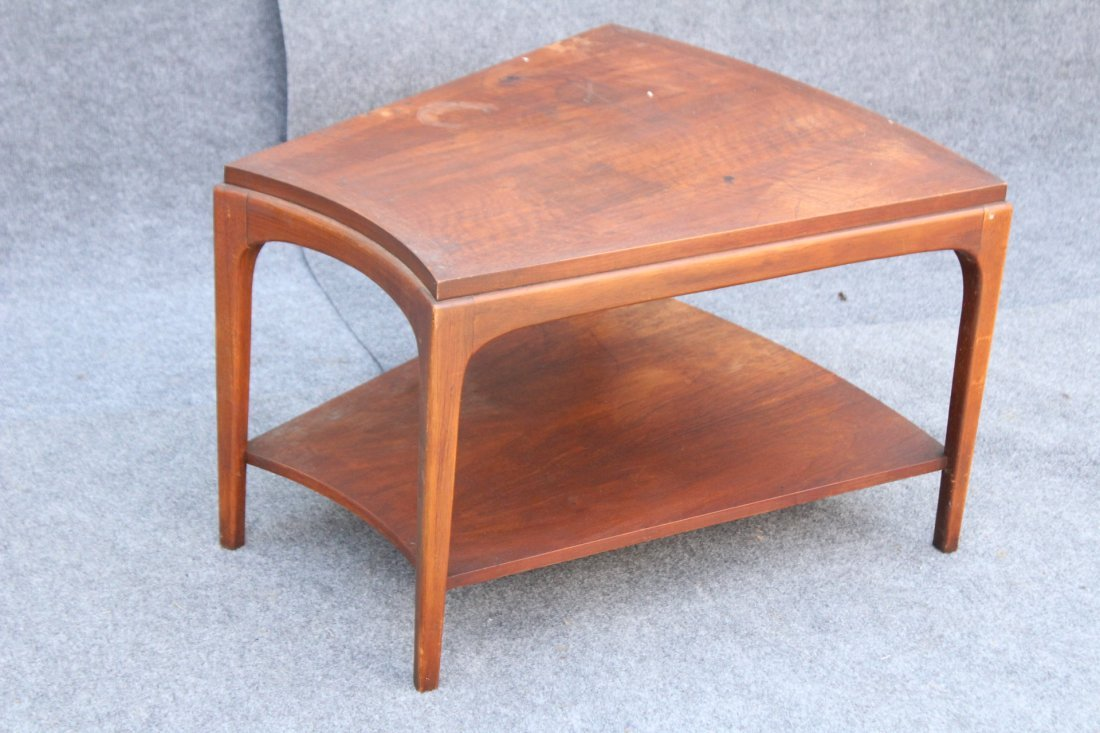 MID CENTURY LANE UNUSUAL POLYGON SHAPED END STAND - 3