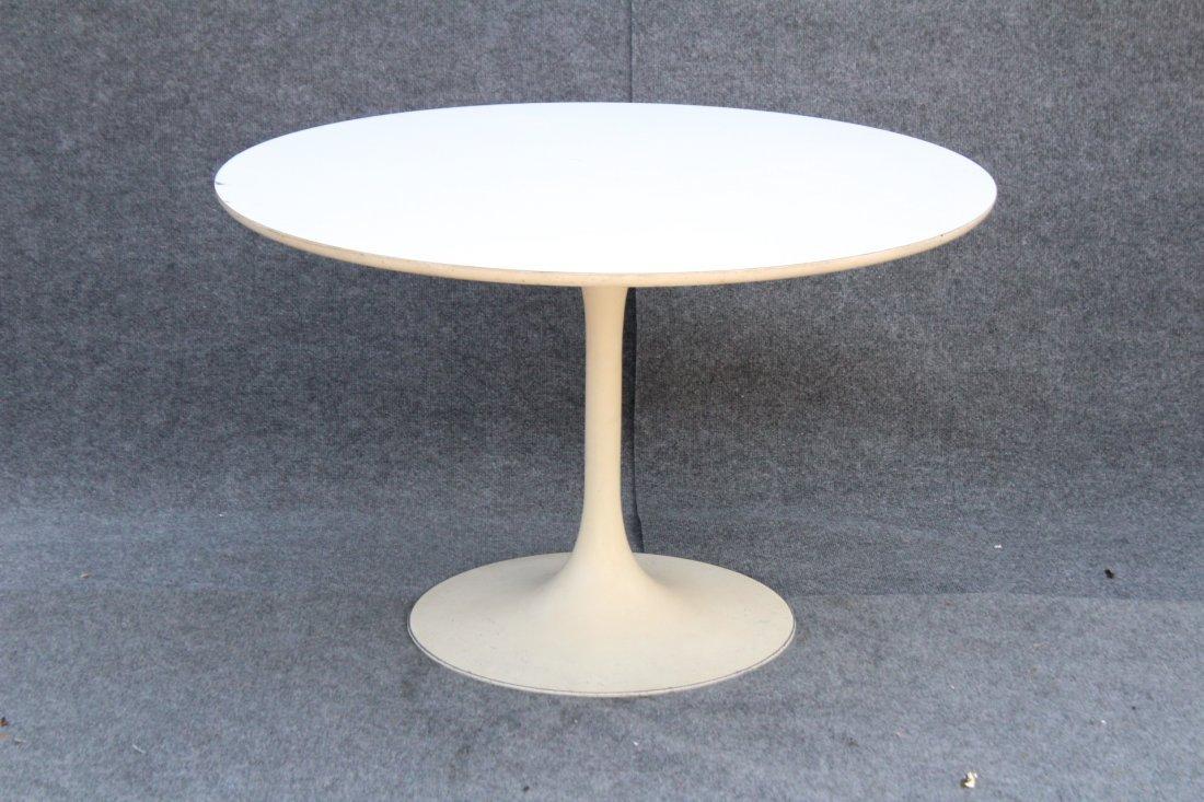 KNOLL SAARINEN WHITE TULIP BASE DINING TABLE 42 in. Dia