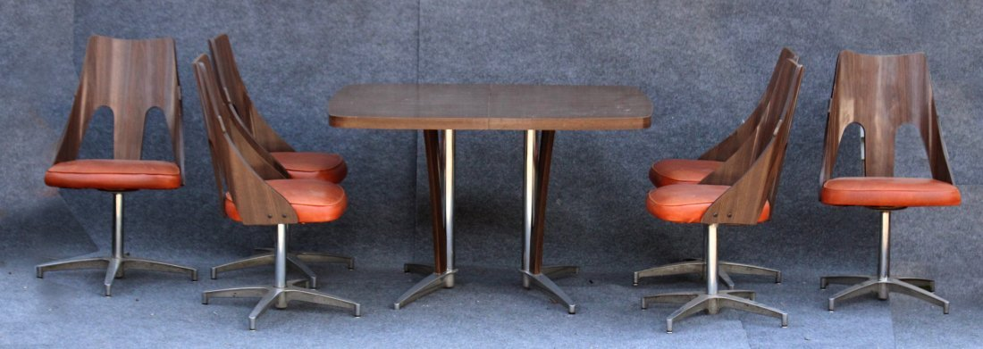 SPACE AGE DESIGN CHROME AND FORMICA 6 CHAIRS, TABLE