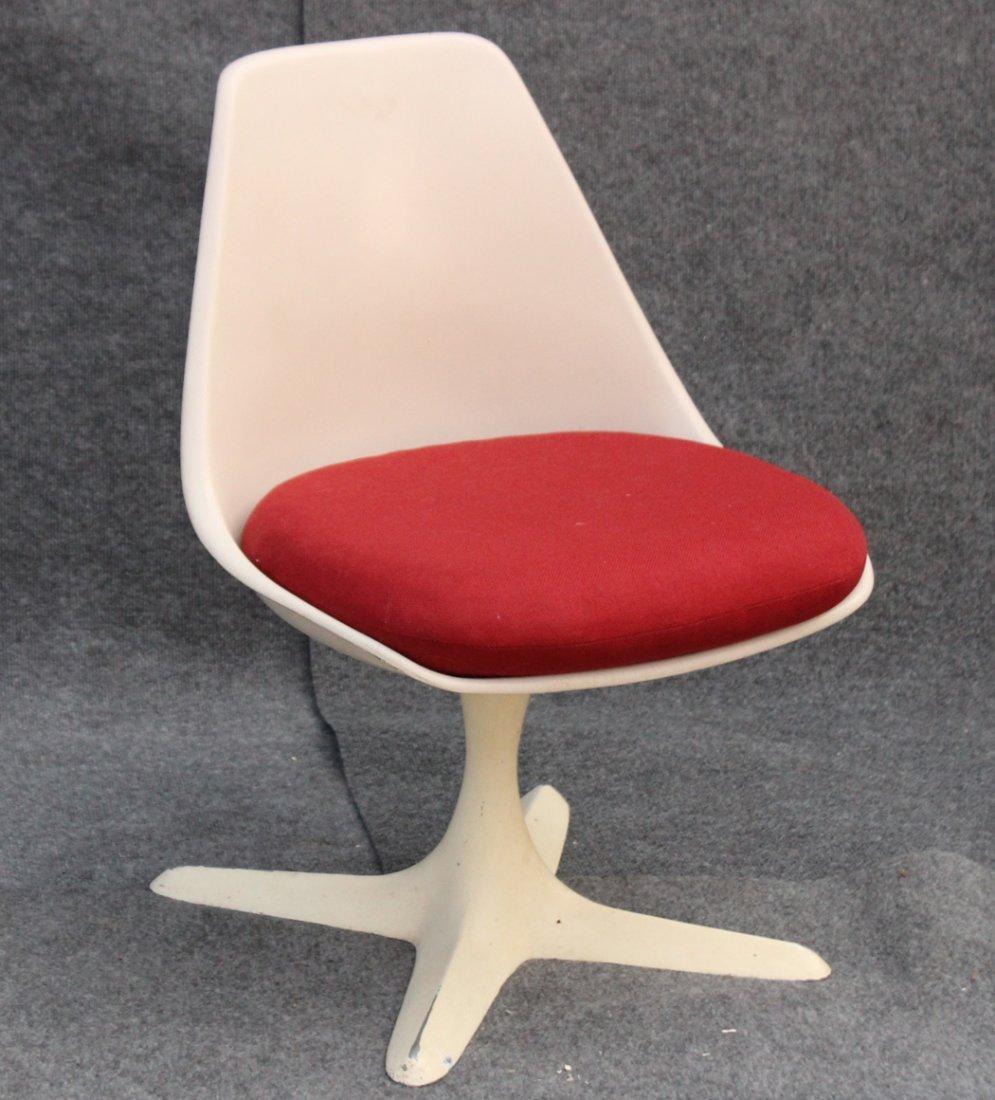 Eero Saarinen Style White Swivel Chair Propeller Base