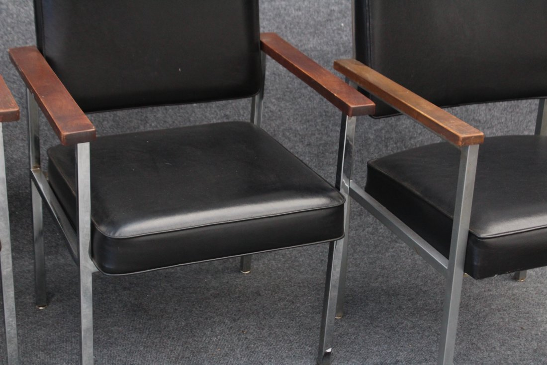 SET 4 MID CENTURY KNOLL CHROME AND BLACK ARM CHAIRS - 3