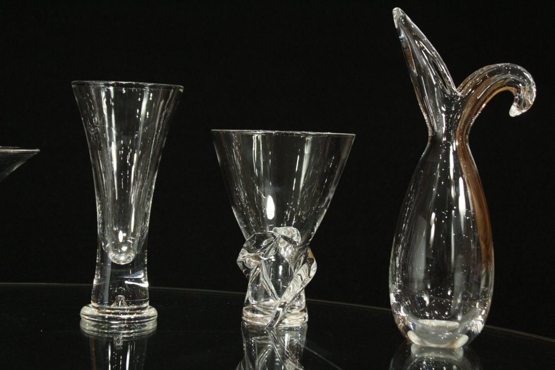 6 ASSORTED PIECES OF STEUBEN GLASS VASES w/ BOOK - 5
