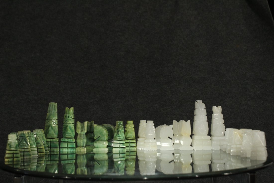 WHITE MARBLE AND GREEN MALACHITE CHEST SET WITH BOARD - 2