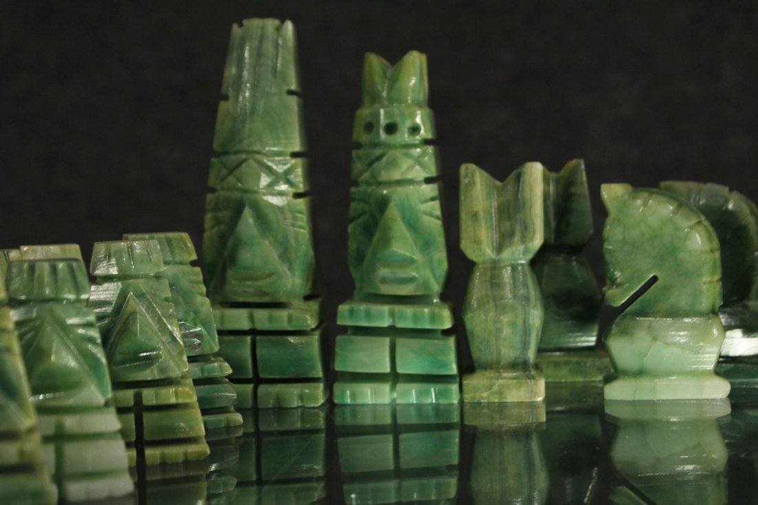 WHITE MARBLE AND GREEN MALACHITE CHEST SET WITH BOARD - 5