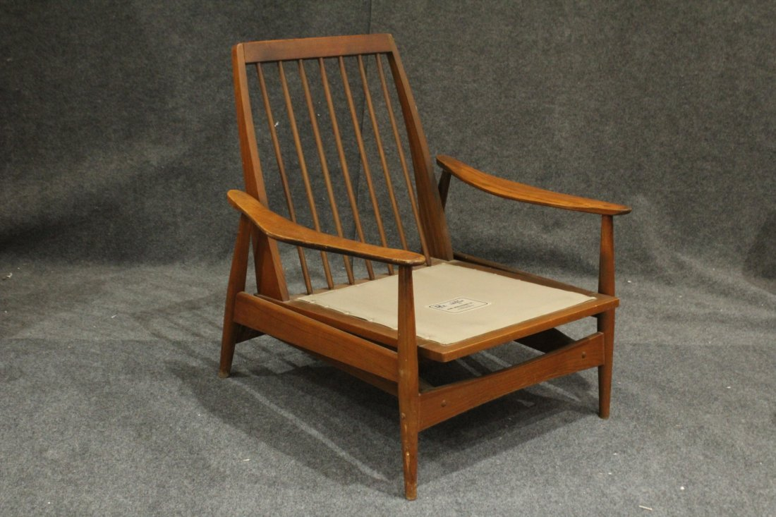 Quality Mid-Century Modern Teak Curved Arm Lounge Chair - 4