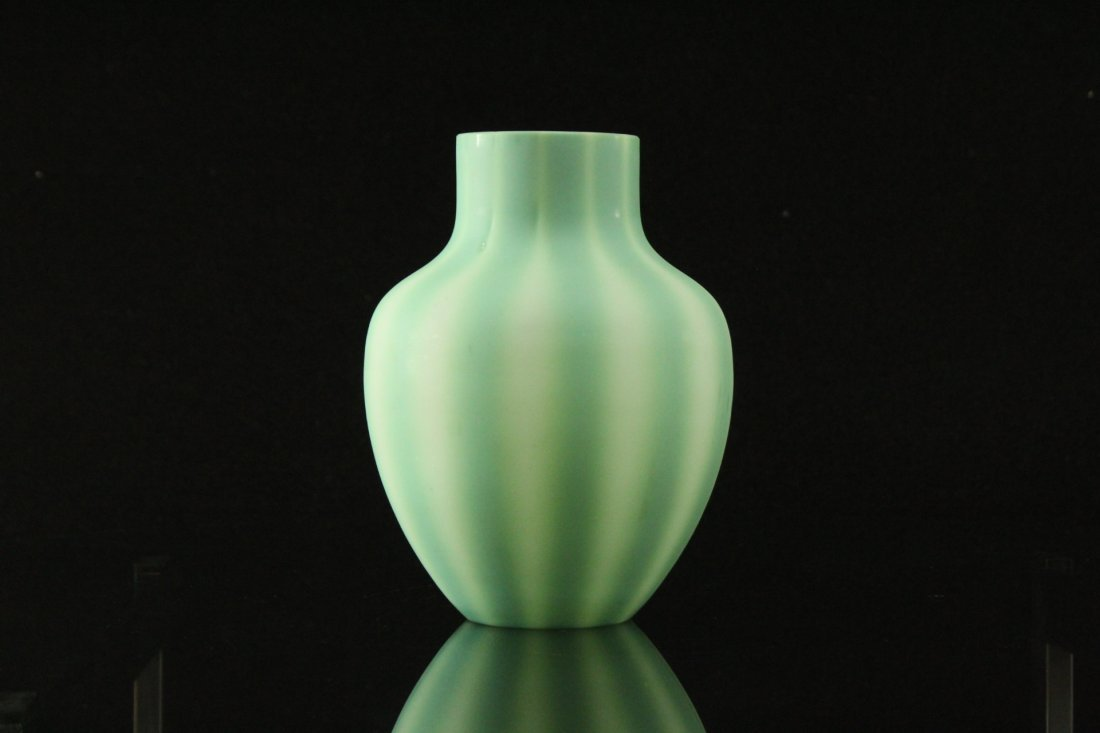 Green Burmese Art Glass Vase, Ribbed Pattern - 2
