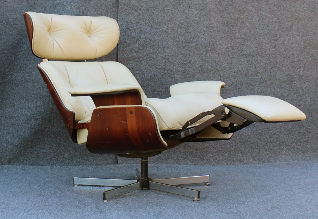 HERMAN MILLER - EAMES STYLE Lounge Chair With Footrest