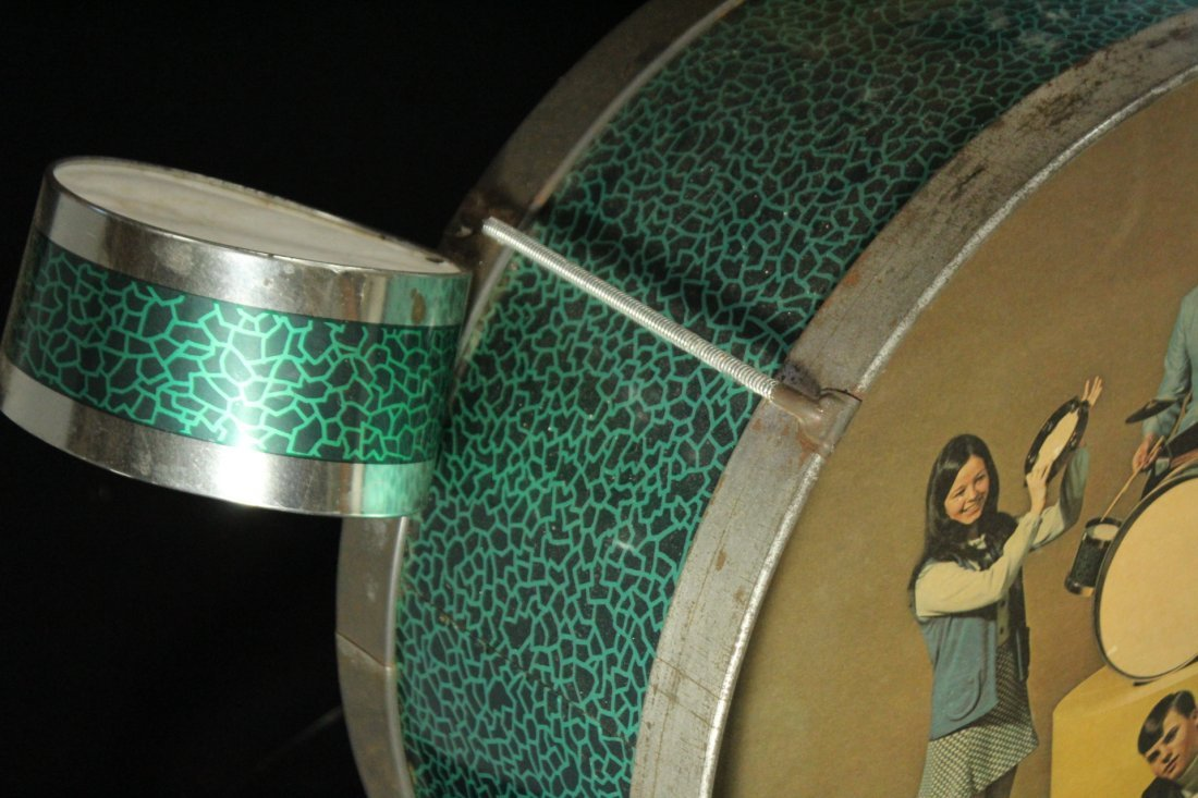 1960s Pictorial Band Childs Drum Set with Cymbal - 2
