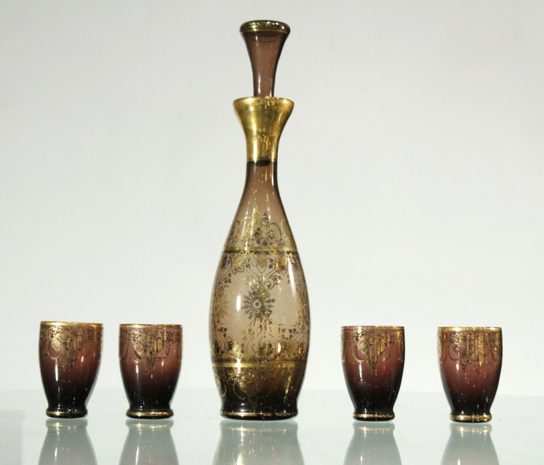 Fancy ITALIAN GLASS Decanter With 4 Tumblers