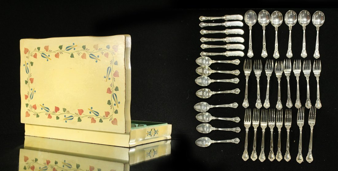 GORHAM CHANTILLY STERLING FLATWARE 36 Pcs; 45.69 oz.