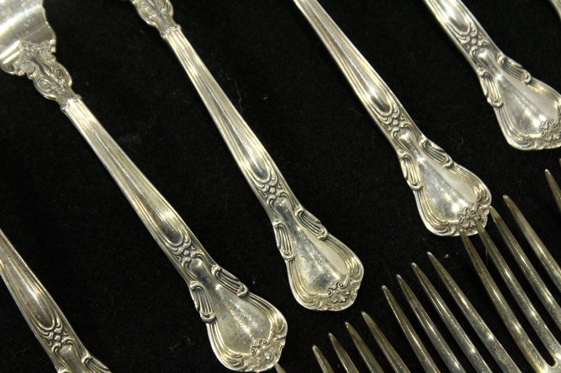 GORHAM CHANTILLY STERLING FLATWARE 36 Pcs; 45.69 oz. - 5