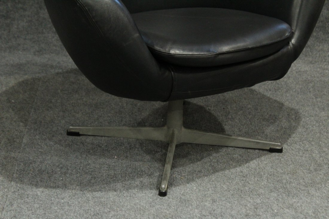 Original 1960s OVERMAN BLACK POD CHAIR With Label - 3
